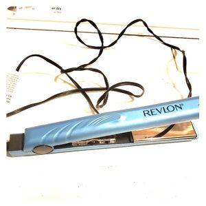 Revlon Blue Titanium 1 inch Straightener